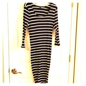 Torrid black/white bodycon dress!